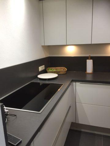 witte keuken naar teveredenheid geplaatst bij dhr. Dritty uit Berg en Terblijt. Keuken is afkomstig van Keukenmatch, I-Kook Keuken Sittard