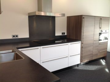 bruin witte keuken
